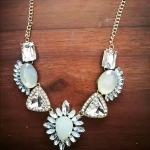 NEW white and crystal statement necklace